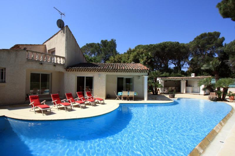 3 bedroom Villa in St RaphaëL, Cote d'Azur, France : ref 1718354 - Image 1 - Velles - rentals
