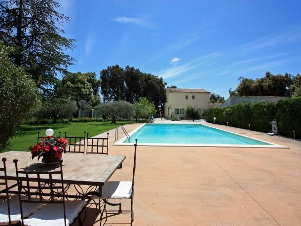 4 bedroom Villa in Carpentras, Provence, France : ref 1718558 - Image 1 - Carpentras - rentals