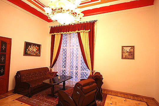 2 minutes to the Opera House and 1 minute to Market Square - Image 1 - Lviv - rentals