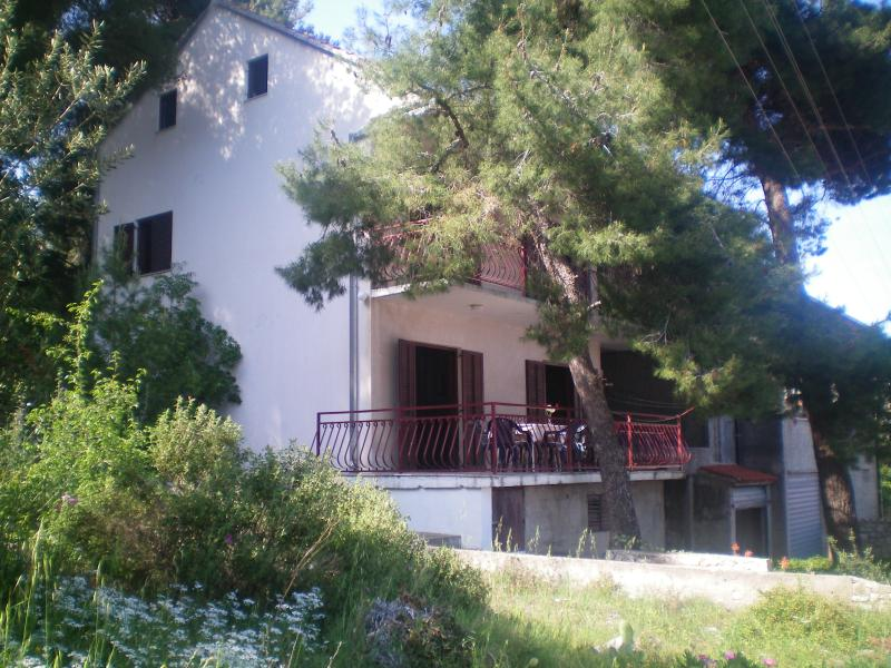 Outside view - Relaxing Beach House - Okrug Gornji - Okrug Gornji - rentals
