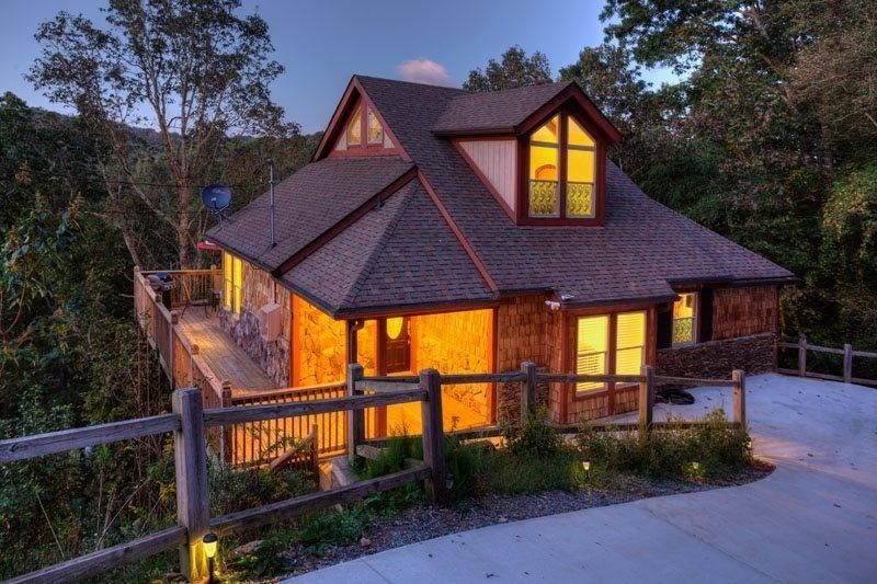 View of the chalet during sunset. - DECEMBER SALE!  STUNNING MOUNTAIN CHALET - Ellijay - rentals