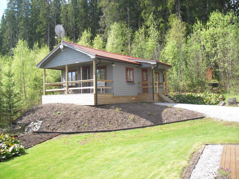 Guesthouse with beautiful lake view - Image 1 - Mangskog - rentals