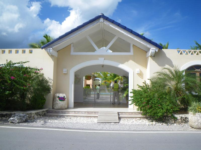 Entrance of the Luxury Project - A little peace of paradise! - Bayahibe - rentals