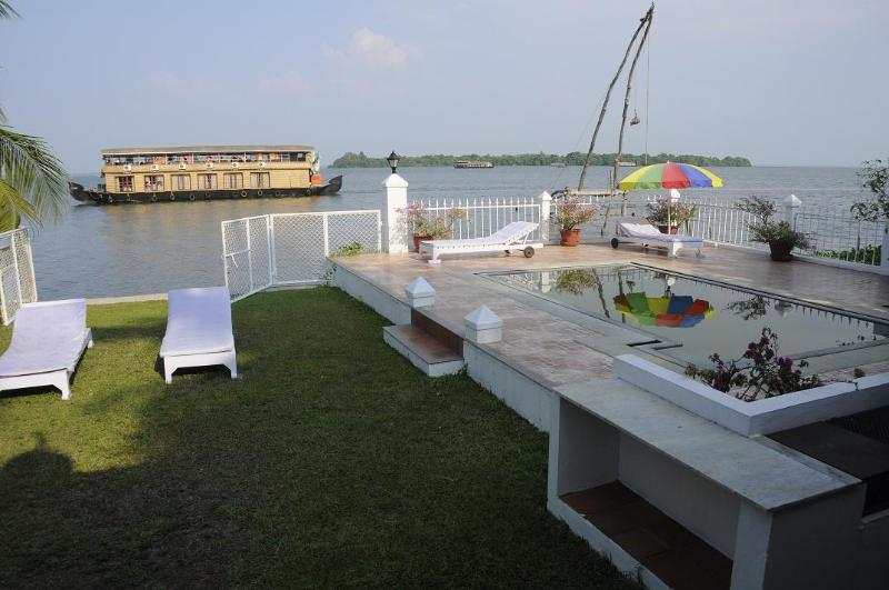 A view to Lake from Villa - Luxury Villa on Lake Vembanadu Kerala India - Alappuzha - rentals