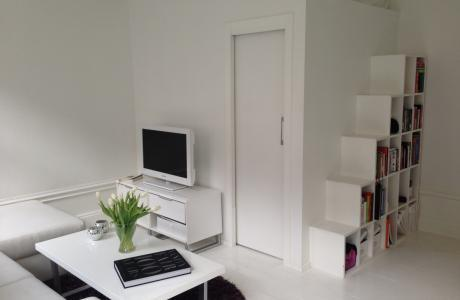 White and Bright Livingroom - Lovely White and Bright Studio in the City Centre - Stockholm - rentals