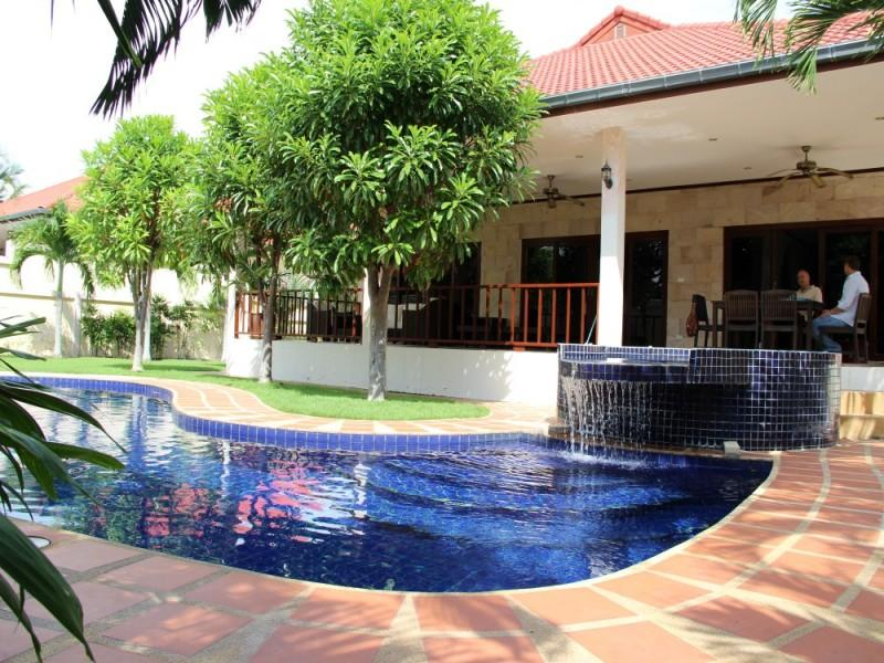 Villas for rent in Hua Hin: V6065 - Image 1 - Hua Hin - rentals
