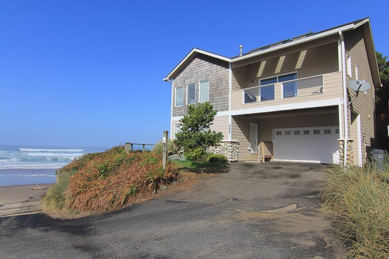 Beach House - Image 1 - Lincoln City - rentals