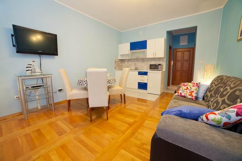 Apartments Lidija - 22831-A5 - Image 1 - Srima - rentals