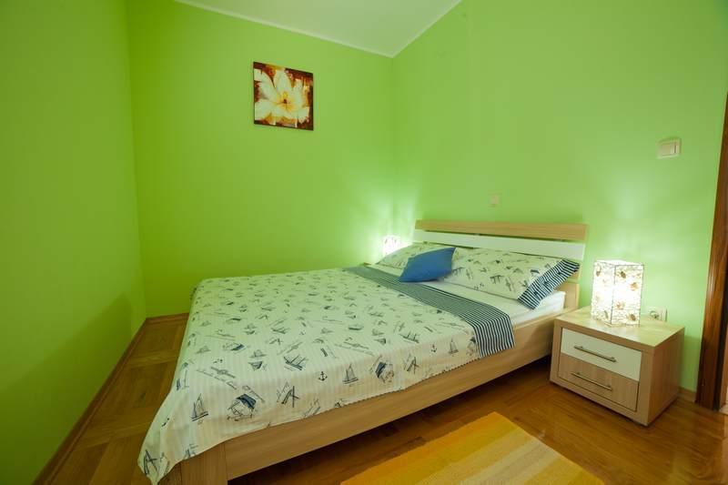 Apartments Lidija - 22831-A7 - Image 1 - Srima - rentals