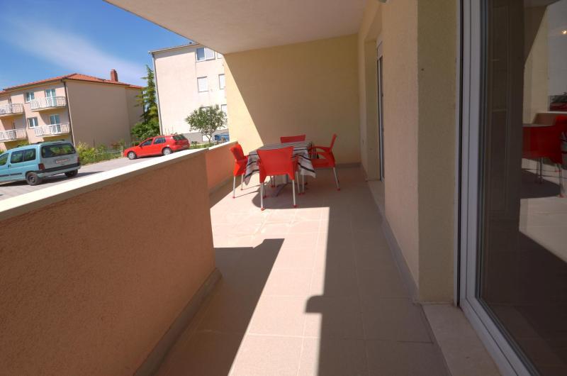 Apartments Paradiso - 46221-A1 - Image 1 - Stobrec - rentals