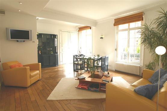 Invalides - 2 Bedroom, 1 Bathroom (2024) - Image 1 - Paris - rentals
