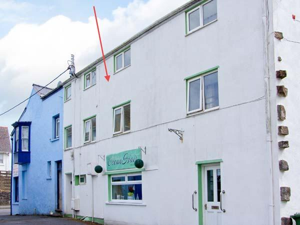 THE OLD BREWERY, feature beams, double bedroom, close to beach, Ref 29896 - Image 1 - Saundersfoot - rentals