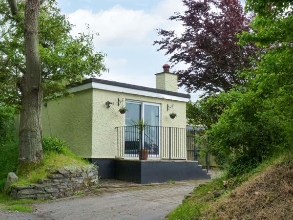 THE STUDIO, gas stove, patio, ground floor, close to St Kew Golf Club, Ref 913965 - Image 1 - Wadebridge - rentals