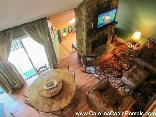 3BR Condo, Beautifully Remodeled, Walking From the Slopes, Foosball Table, Flat Screen TV, Two King Suites, Deck - Image 1 - Beech Mountain - rentals