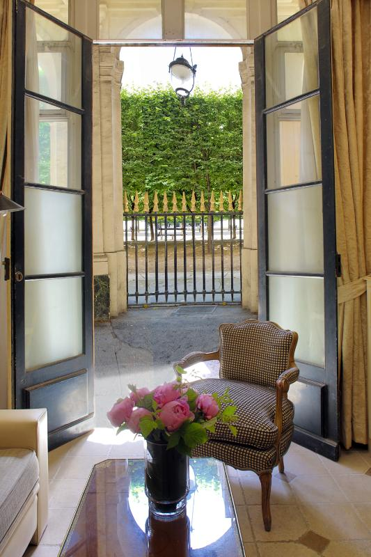 View of the Gardens from the Apartment - Charming Gardens of Palais Royal Home - Paris - rentals