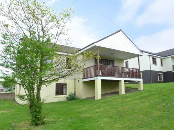 TURNBERRY 4, detached lodge with access to indoor swimming pool, gym, close golf, ideal touring base, Dailly Ref 912694 - Image 1 - Kirkoswald - rentals
