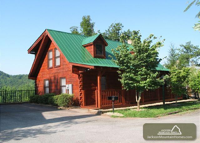 Touch of Class   Downtown Hot Tub Pets Mtn View Fireplace  Free Nights - Image 1 - Gatlinburg - rentals
