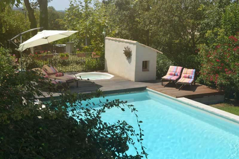 "Our ""hamlet"" offers a very large pool and whirlpool, heated by solar panels, for everyone to enjoy! - ""Le Moulin Vieil"" St Remy Vacation Rental with WiFi at Provence Paradise - Saint-Remy-de-Provence - rentals"