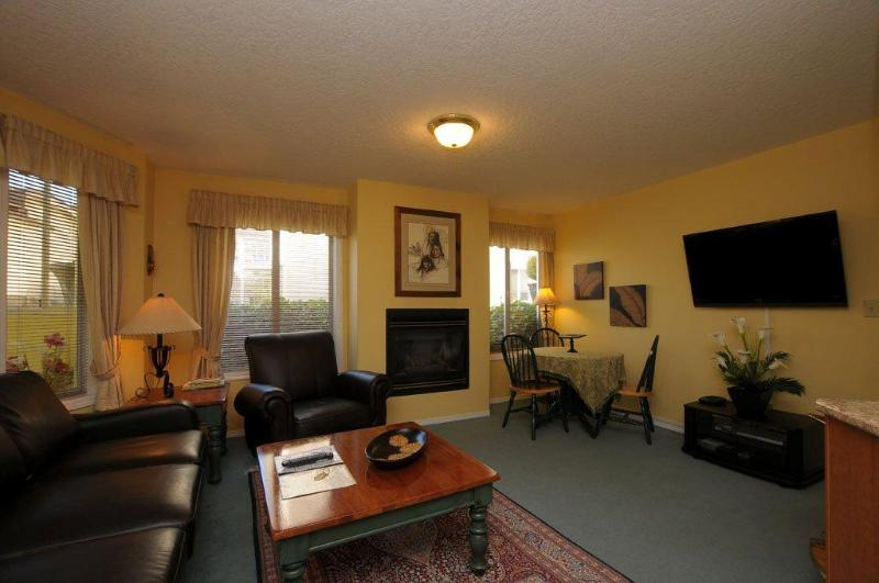 1 bedroom apartment downtown victoria near ocean - Image 1 - Victoria - rentals