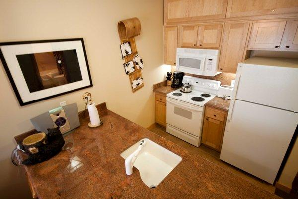 Kitchen - Juniper Springs Lodge # 532 - Mammoth Lakes - rentals