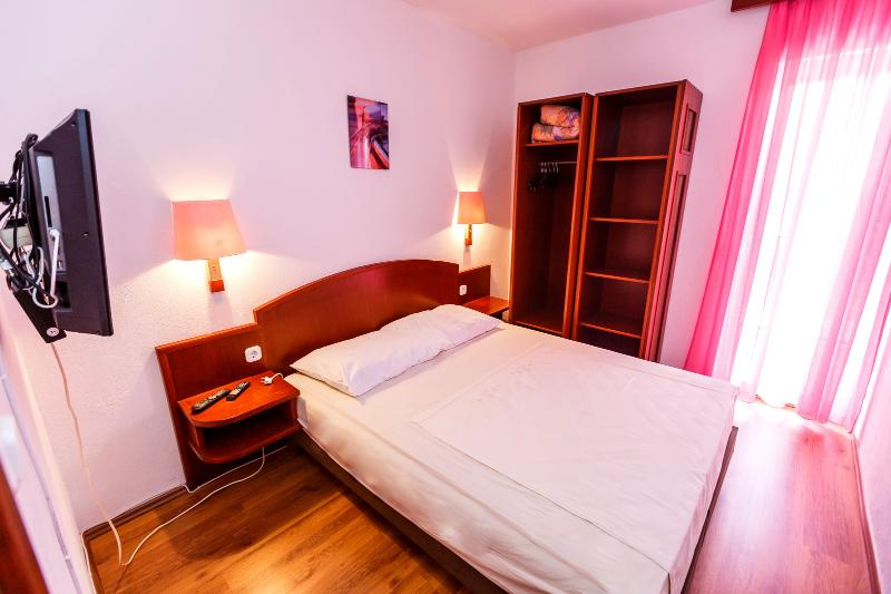 Enjoy the Serenity of our Apartment in Okrgu Donji in A3 - Image 1 - Okrug Donji - rentals