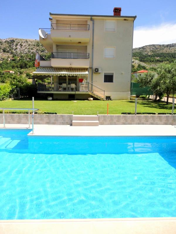Book our New and Modern Apartment with a pool in Istria - Image 1 - Brtonigla - rentals