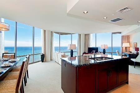 Trump King Penthouse- dazzling 37th floor ocean view with amenities, near beach - Image 1 - Waikiki - rentals