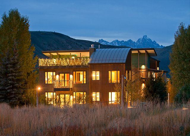 Downtown Jackson Hole Luxury Condo - Walk to town Square - Teton Views! - Image 1 - Jackson - rentals