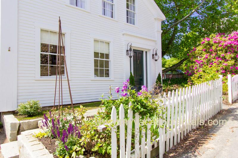 Gorgeous In Town Location - NORDE - Gracious Greek Revival, Newly Renovated with Gorgeous Decor, In Town - Vineyard Haven - rentals