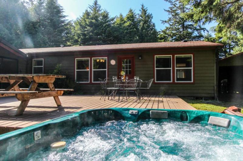 Dog-friendly home w/hot tub, game room, basketball court! Short drive to beach! - Image 1 - Waldport - rentals