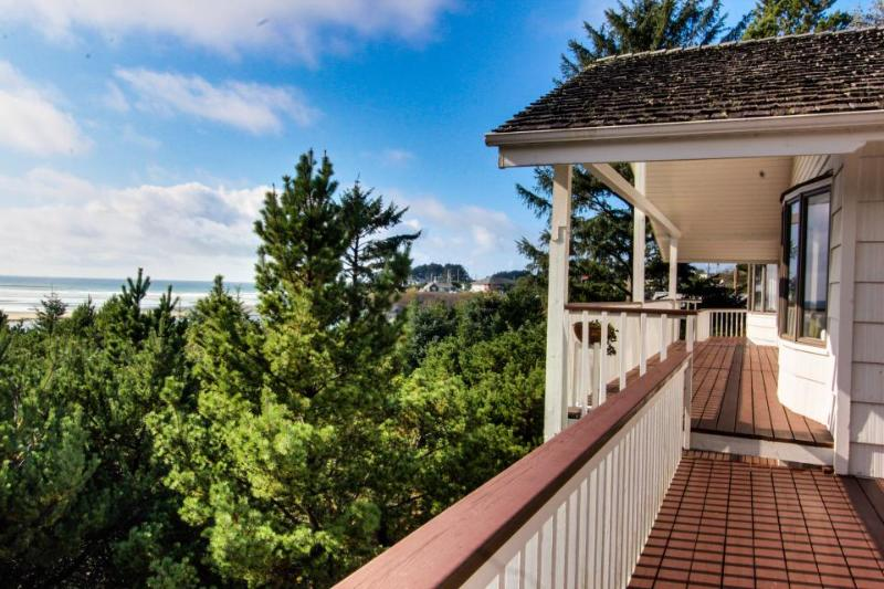 Huge dog-friendly ocean & riverfront home w/ hot tub, views, close beach access! - Image 1 - Yachats - rentals