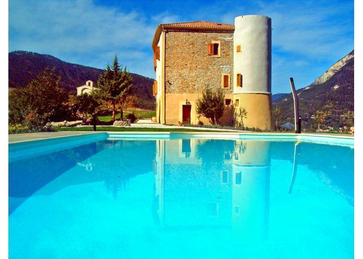 Chateau De Meouille Pet-Friendly Vacation Rental with a Pool - Image 1 - Saint Andre Les Alpes - rentals