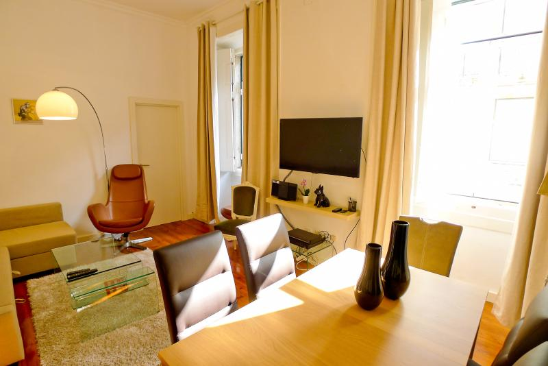 CR2 - Fabulous living in the heart of Lisbon - Image 1 - Lisbon - rentals