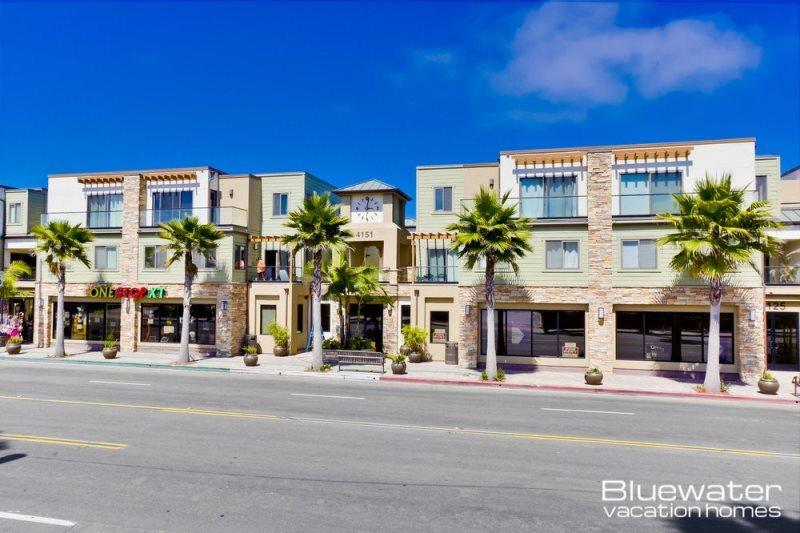 Located right at the intersection of Mission Beach and Pacific Beach - Pacific Blue Three - Vacation Rental on Border of Pacific and Mission Beach - Pacific Beach - rentals