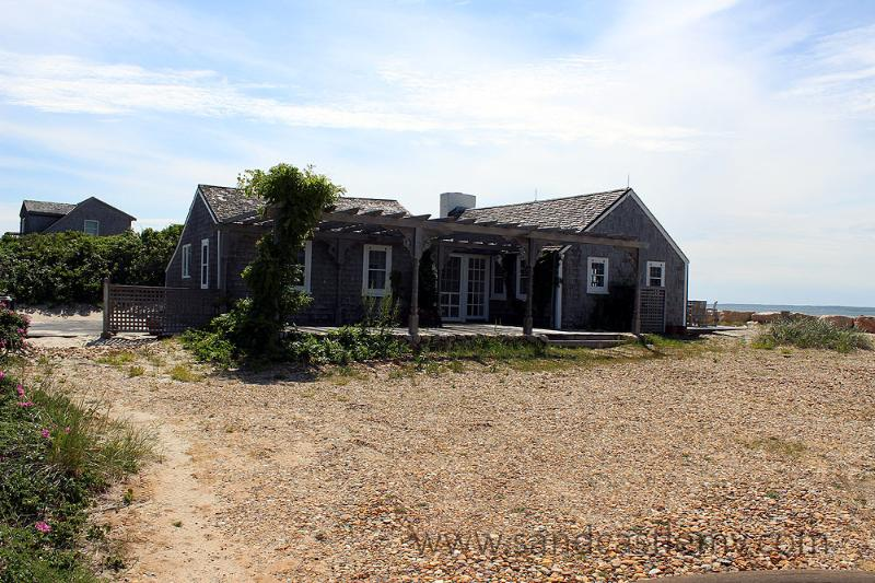 723 - Beachfront house with beautiful views! - Image 1 - Vineyard Haven - rentals