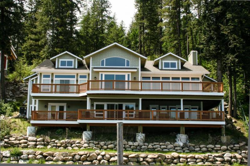 Grand lakefront home w/ stunning lake views & wrap-around deck! - Image 1 - Coeur d'Alene - rentals
