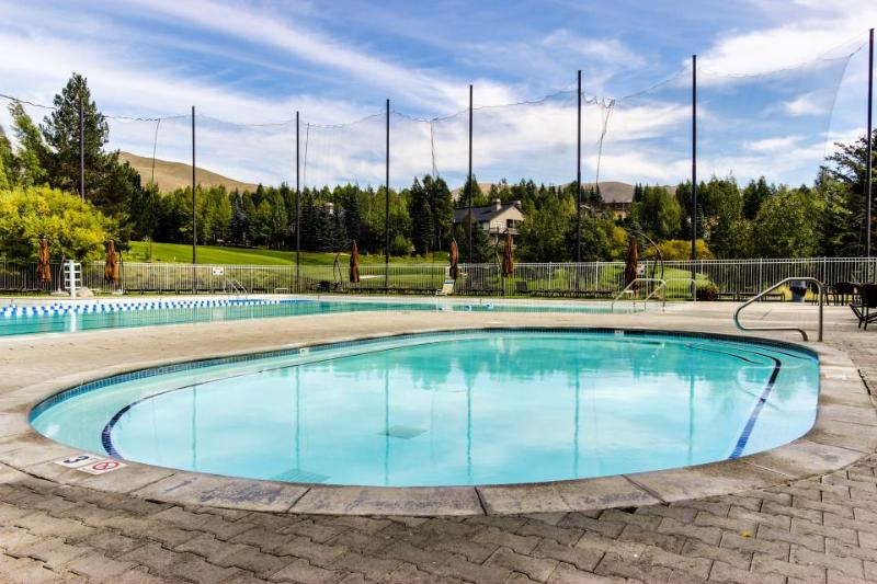 Welcoming condo w/ shared pools, hot tub, sauna, tennis & more! - Image 1 - Sun Valley - rentals