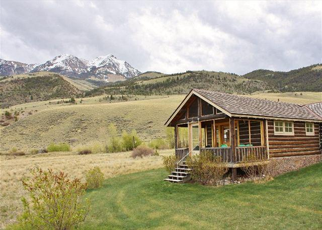 The Absaroka mountain range - Absaroka Cabins - Emigrant - rentals