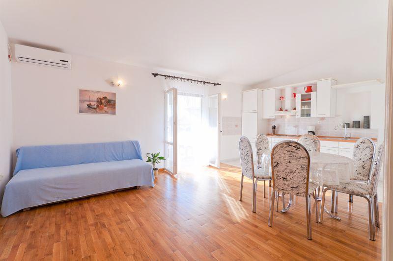 Apartment Ante - 27181-A1 - Image 1 - Privlaka - rentals