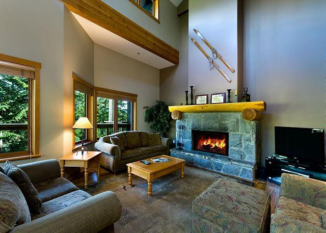 Living Room - Ski-in, Ski-out luxury 4 bdrm, private hot tub, quiet setting - Whistler - rentals