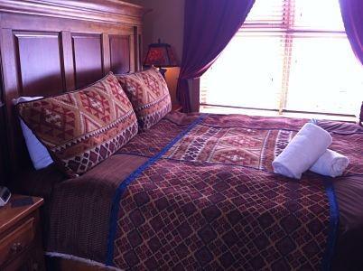 TWELVE PEAKS : Comfortable beds with lush duvets - Twelve Peaks - Golden - rentals