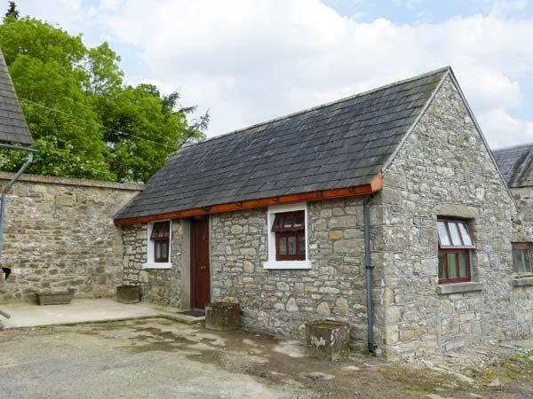 THE ANNEXE DEREEN LODGE, ground floor, patio with furniture, great base for walking, Ref 912323 - Image 1 - Mohill - rentals