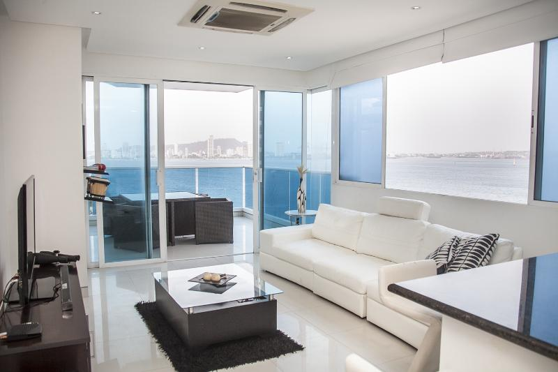 Sleek 1 Bedroom Apartment with Amazing Views in Castillo Grande - Image 1 - Cartagena - rentals