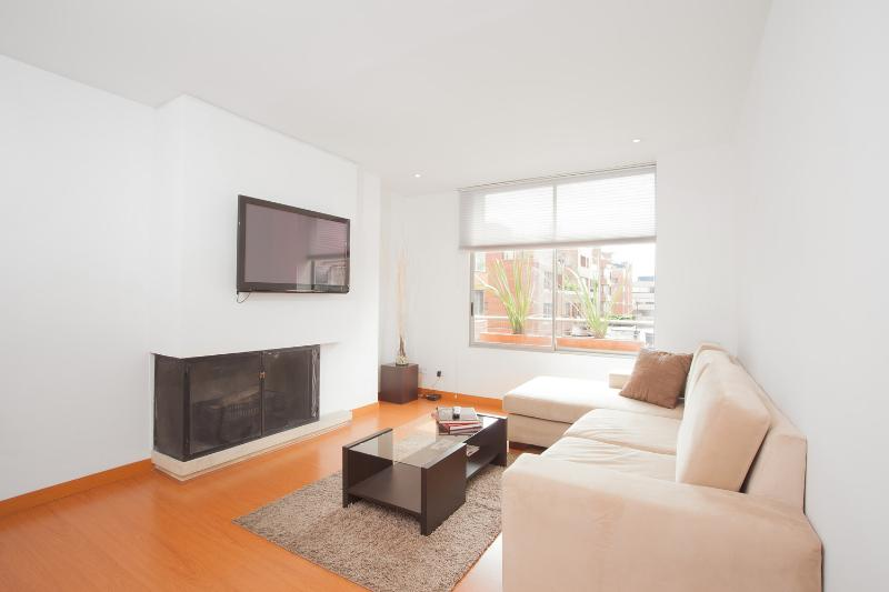Minimalist 2 Bedroom Apartment in Parque 93 - Image 1 - Bogota - rentals