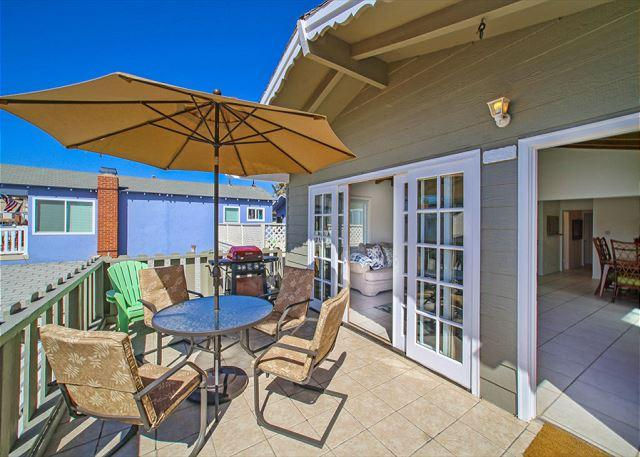 Newport Beach 3 Bedroom vacation rental just steps to the sand - Image 1 - Newport Beach - rentals
