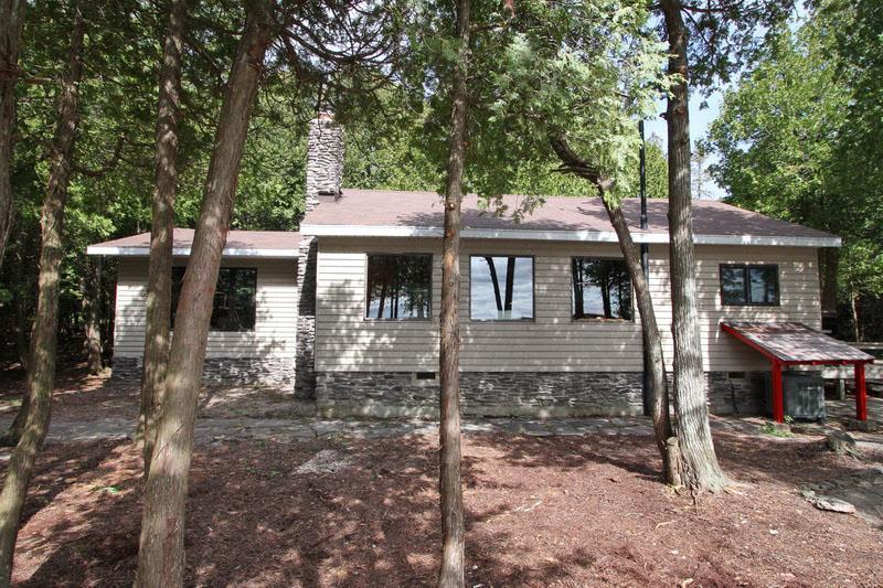 Hudson's Rock cottage (#858) - Image 1 - Tobermory - rentals