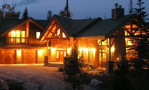 VALLEY VIEW CHALET: Spectacular, large custom home just steps from the Gondola at Kicking Horse Mountain Resort - Valley View Chalet - Golden - rentals