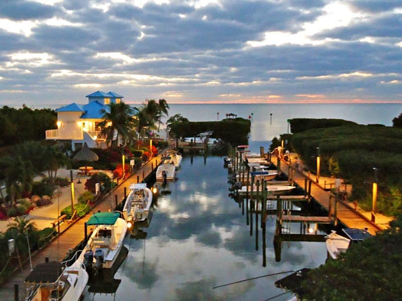 Marina and restaurant at sunrise - 1406 Ocean Pointe - Tavernier - rentals