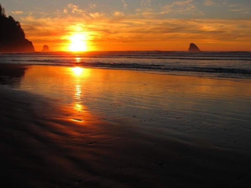Beautiful sunsets - Cape Hideaway - Cape Meares - rentals