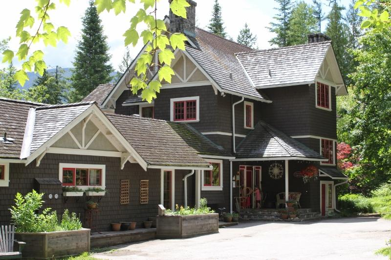 Willow Point Vacation Suites - Willow Point Vacation Suites - Myra's Cottage - Nelson - rentals